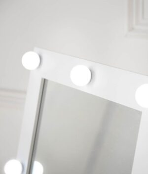 Saskia mirror