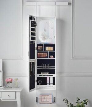 Crystal jewellery cabinet